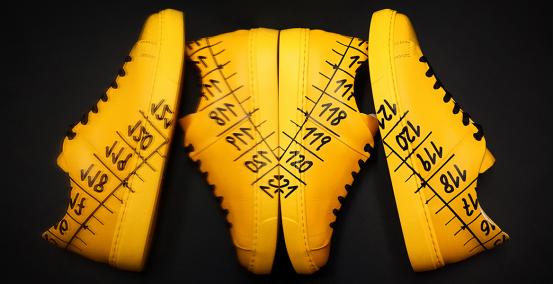 Il Centimetro Sneakers e Braccialetti Made in Italy